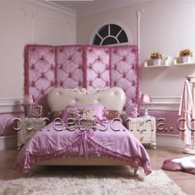 Иерархия спален в доме часто соответствует иерархии в семье: главная спальня отводится для глав семьи, детские — для детей, гостевые — для гостей.